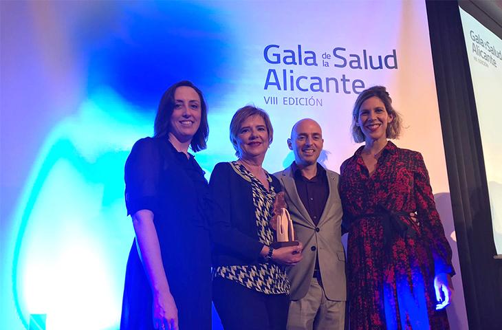 María Luisa Bataller recibió el Premio Dedicación Laboral y Docencia en la Gala de la Salud de UPSANA