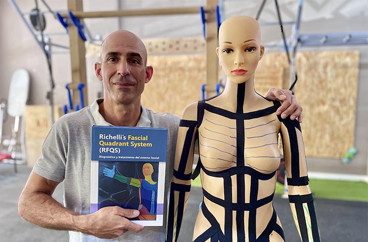 "El fisioterapeuta Stefan Richelli publica su libro ""Richelli's Fascial Quadrant System (RFQS). Diagnóstico y tratamiento del sistema fascial"