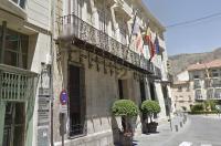 El ICOFCV solicita al Ayuntamiento de Orihuela que actúe contra un centro que ofrece servicios terapéuticos por personal no cualificado