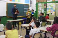 El Colegio de Fisioterapeutas inicia una campaña de educación postural para evitar lesiones de espalda en escolares