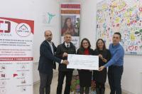 El Colegio de Fisioterapeutas de la CV dona más de 2.400 euros a la asociación de personas con diversidad funcional intelectual