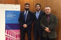 El fisioterapeuta, Ángel Esparcia, premi Alumne Excel•lent de la Universitat de València 2014-15. Amb Josep Benítez i Antonio Alberola