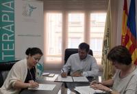 El Colegio de fisioterapeutas firma un acuerdo de colaboración con Apnav y Aspau para ayudar a las personas autistas